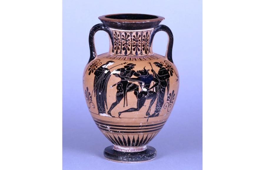 Тесей убивает минотавра. Амфора. 6 в. До Р.Х. Британский музей 1843,1103.21