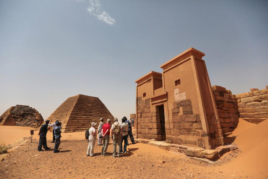 Sudan_Meroe_Pyramids 2