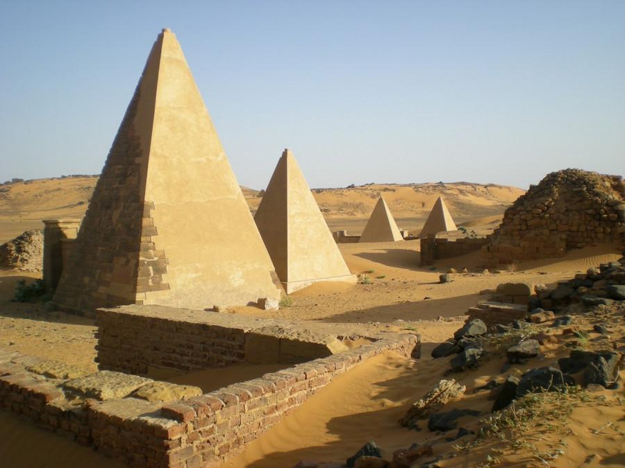 Sudan_Meroe_Pyramids 3