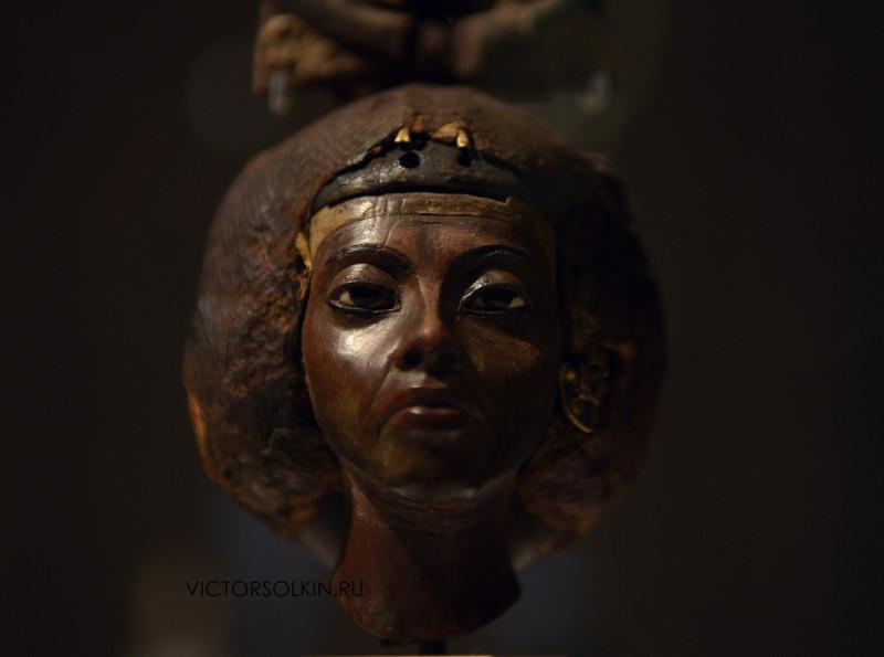Голова царицы Тейе