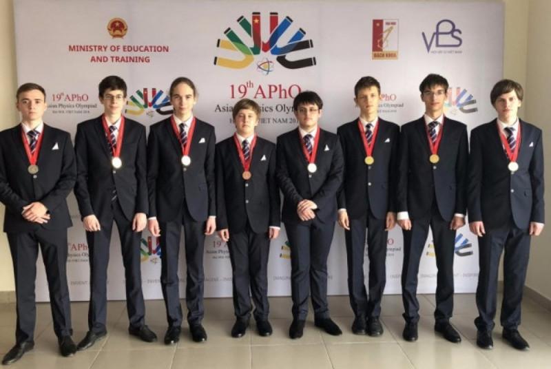 rossijskie-shkolniki-zavoevali-shest-zolotyix-medalej-na-aziatskoj-olimpiade-po-fizike