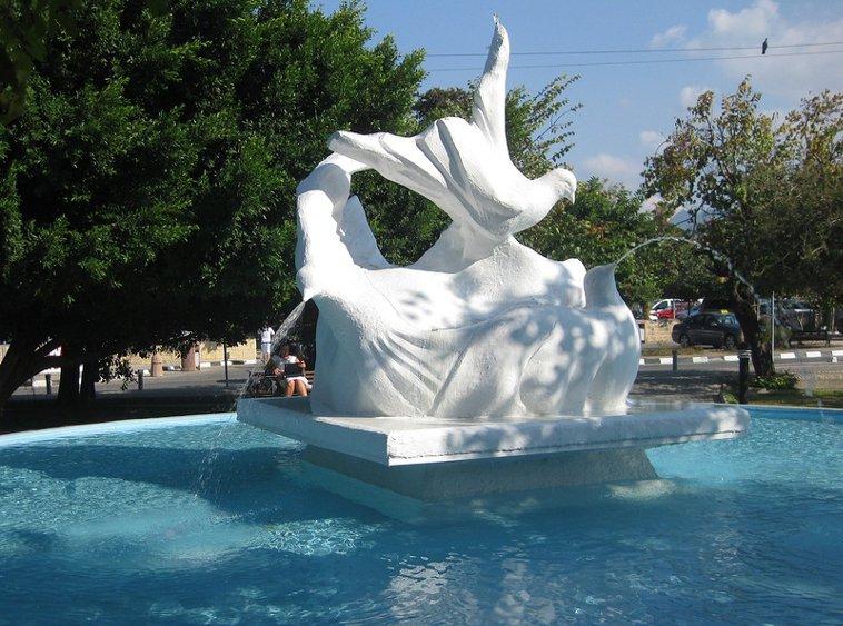 Северный Кипр, Кирения, фонтан.