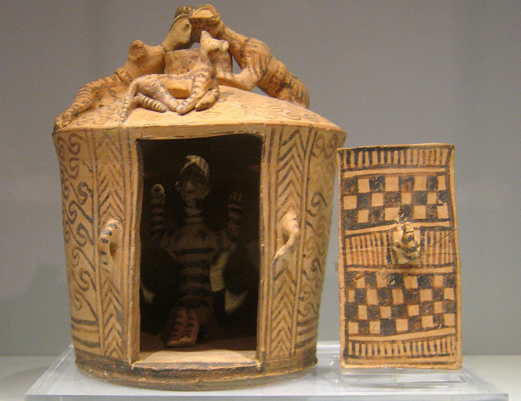 Модель минойского храма начала II тыс. до Р.Х.