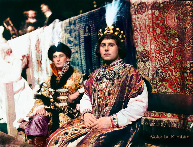 Князь Феликс Юсупов и Князь Христофор в костюмах  2