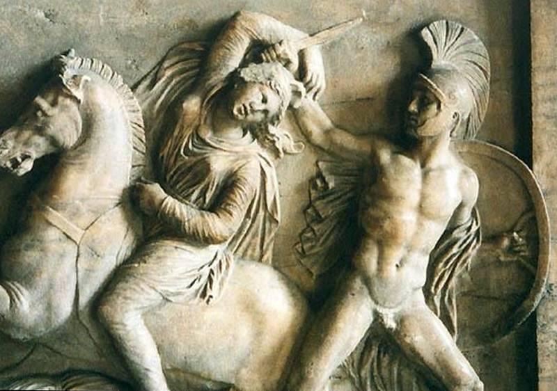 Античный барельеф битва греков с амазонками