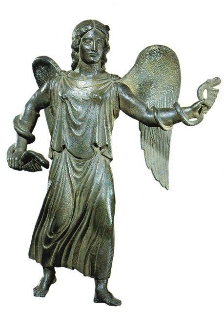 Этрусская богиня Ванф в облике фурии, олицетворяющей неотвратимость судьбы.