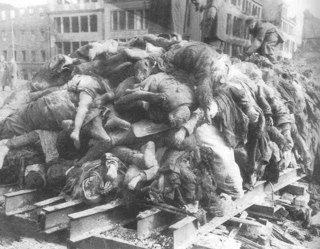 Мирные жители Дрездена -1945.