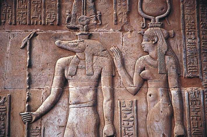 Бог Себек. Древнеегипетский барельеф в храме