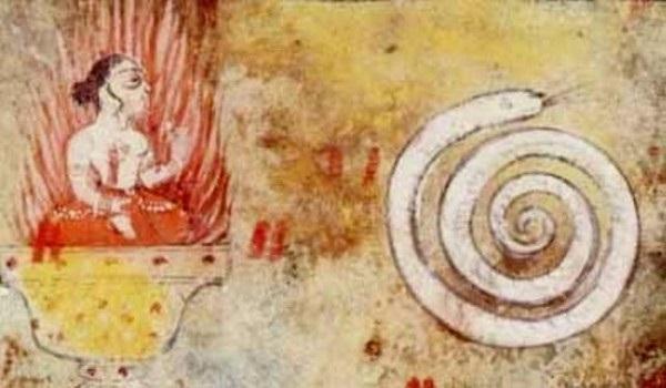 Кундалини в виде свернувшейся змеи.