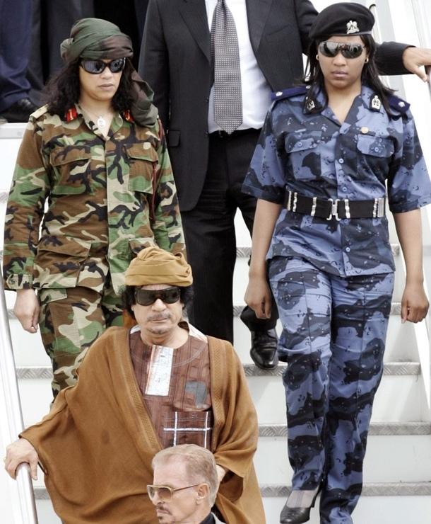 полковник Каддафи и амазонки
