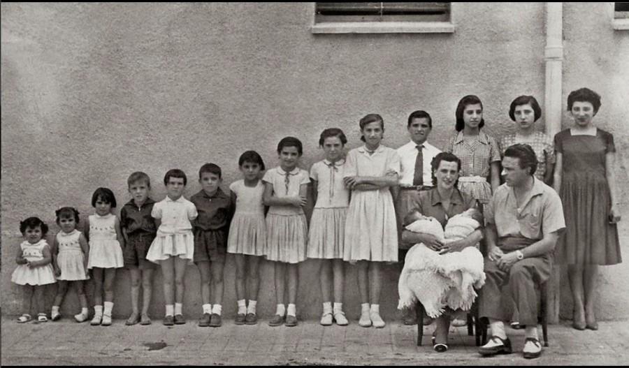 Такая вот многодетная семья из США 50-х.