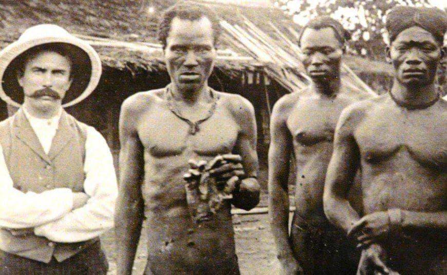 В Конго бельгийцы отрубали руки детям и женщинам в наказание за плохо выполненную работу по сбору каучука, конец XIX века.