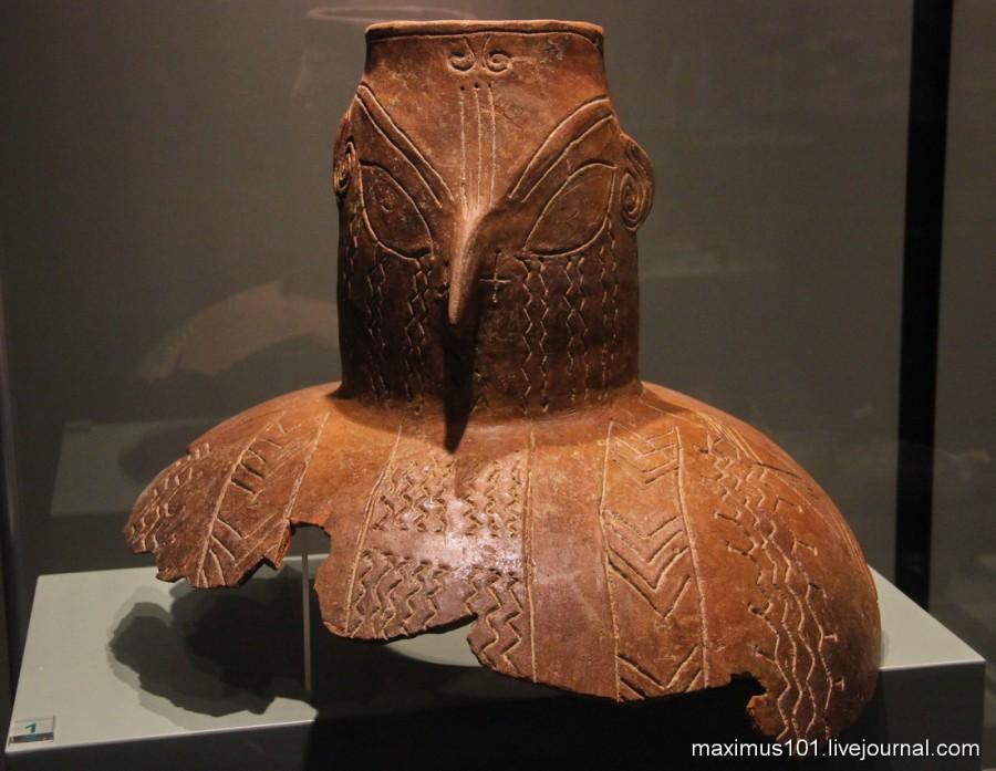 Антропоморфный сосуд из Капитан Андреево - 6 тыс. до н.э. Возможно это голова Богини Матери.
