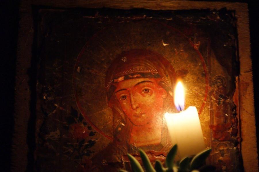 свеча в храме