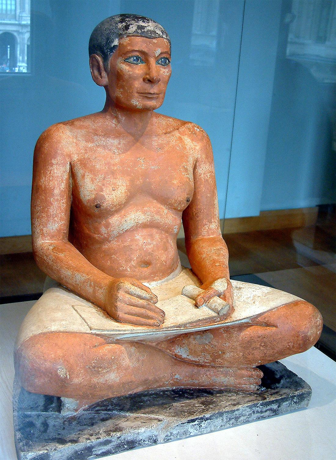Статуя царского писца.
