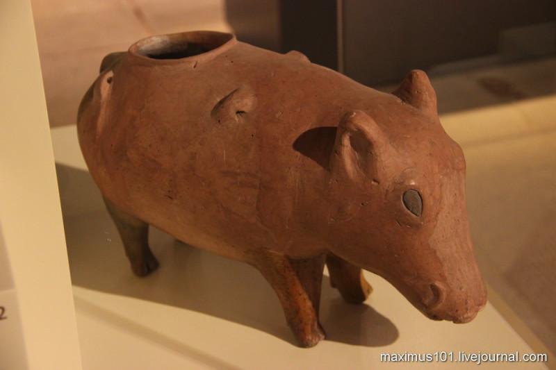 Сосуд в виде свиньи. Хаджилар.