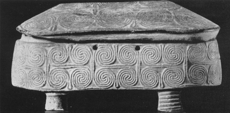 Пиксида со спиральным орнаментом с о. Наксос. III тыс. до н. э.
