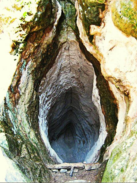 Womb_Cave