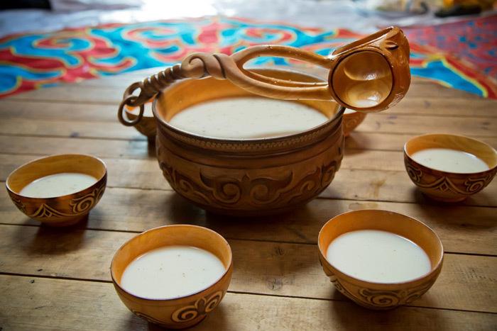 kumis drinking set