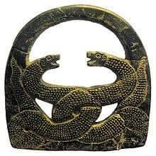 Джирофт камень весовой Иран. Подобный предмет часто изображался в руках древних богов и духов и имел некое ритуальное значение.