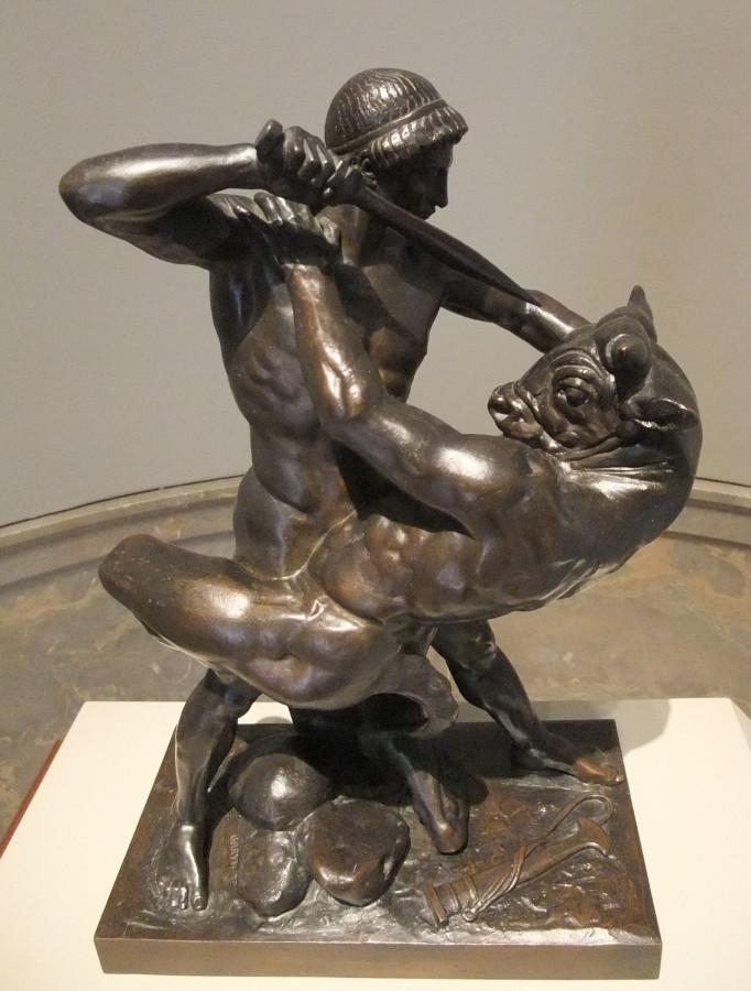 Минотавр статуя