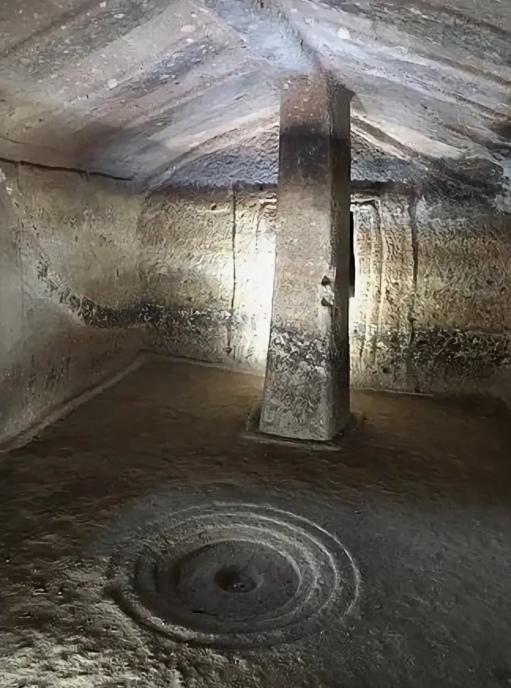 гробница 1