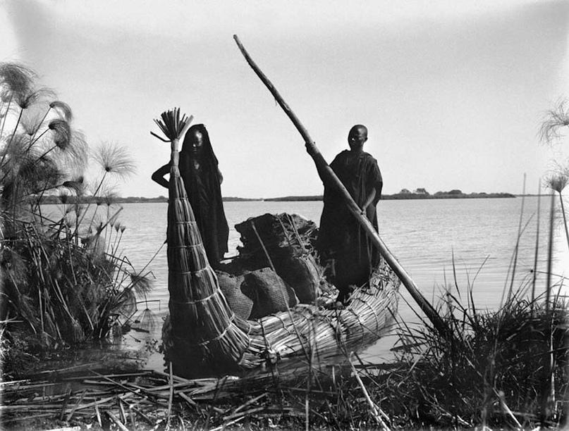 лодка на озере Чад