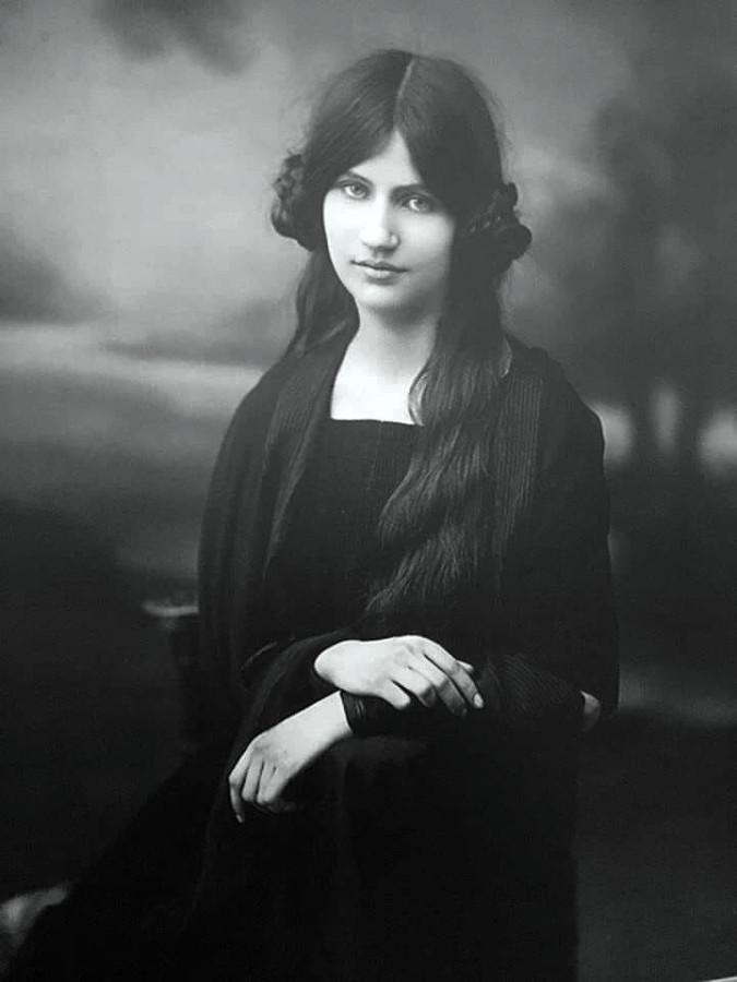 Жанна Эбютерн – последняя муза Амадео Модильяни.