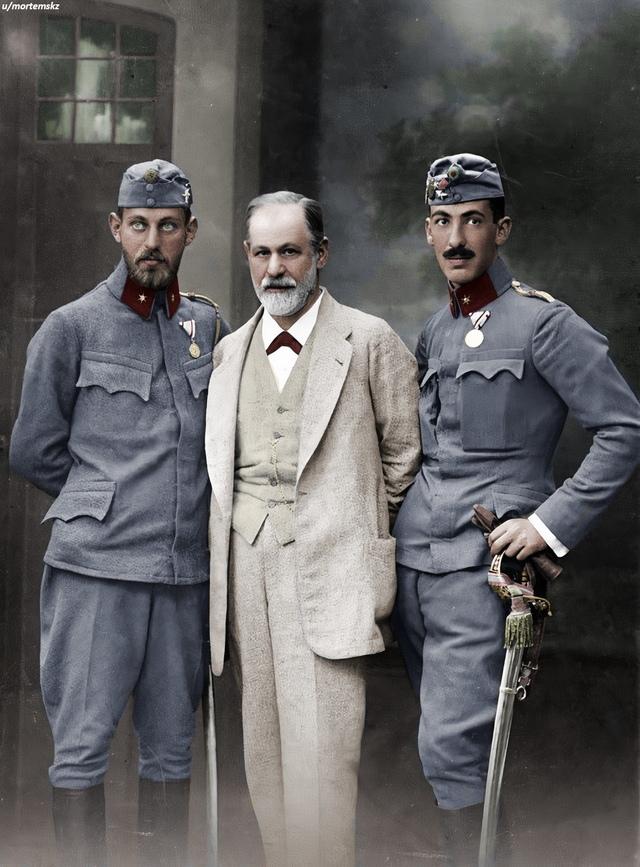 Зигмунд Фрейд с сыновьями во время Первой мировой войны.