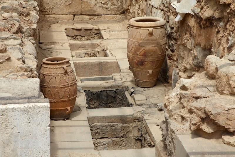 narrow storage passageway in a temple, Minoan