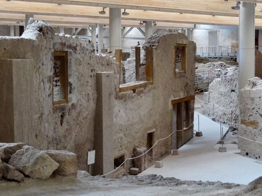 Akrotiri_Ausgrabungsstätte Раскопки в Акротири. В городах были двухэтажные дома