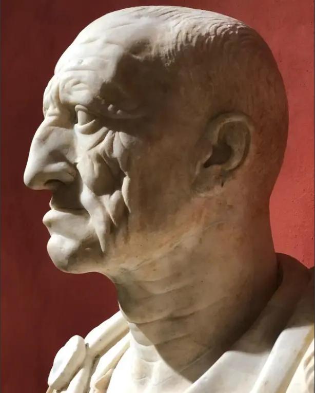 Бюст римского патриция из Отриколи 75–50 годов до н. Э. Ныне хранится в музее «Вилла Торлония» в Риме