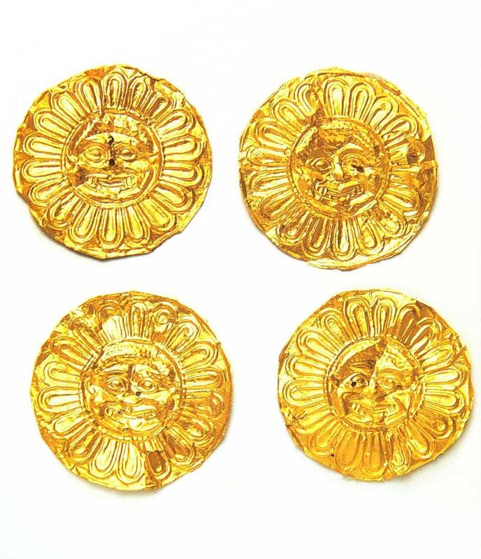 Украшения одежды царицы с изображением горгон. 470-460 г. до н.э.