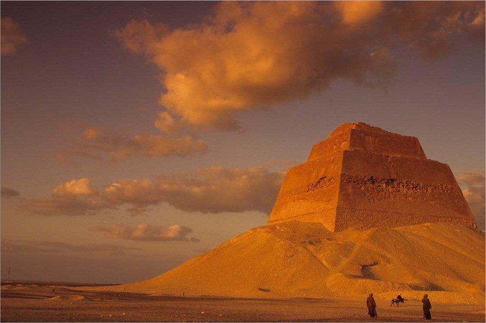 Пирамида Снофру