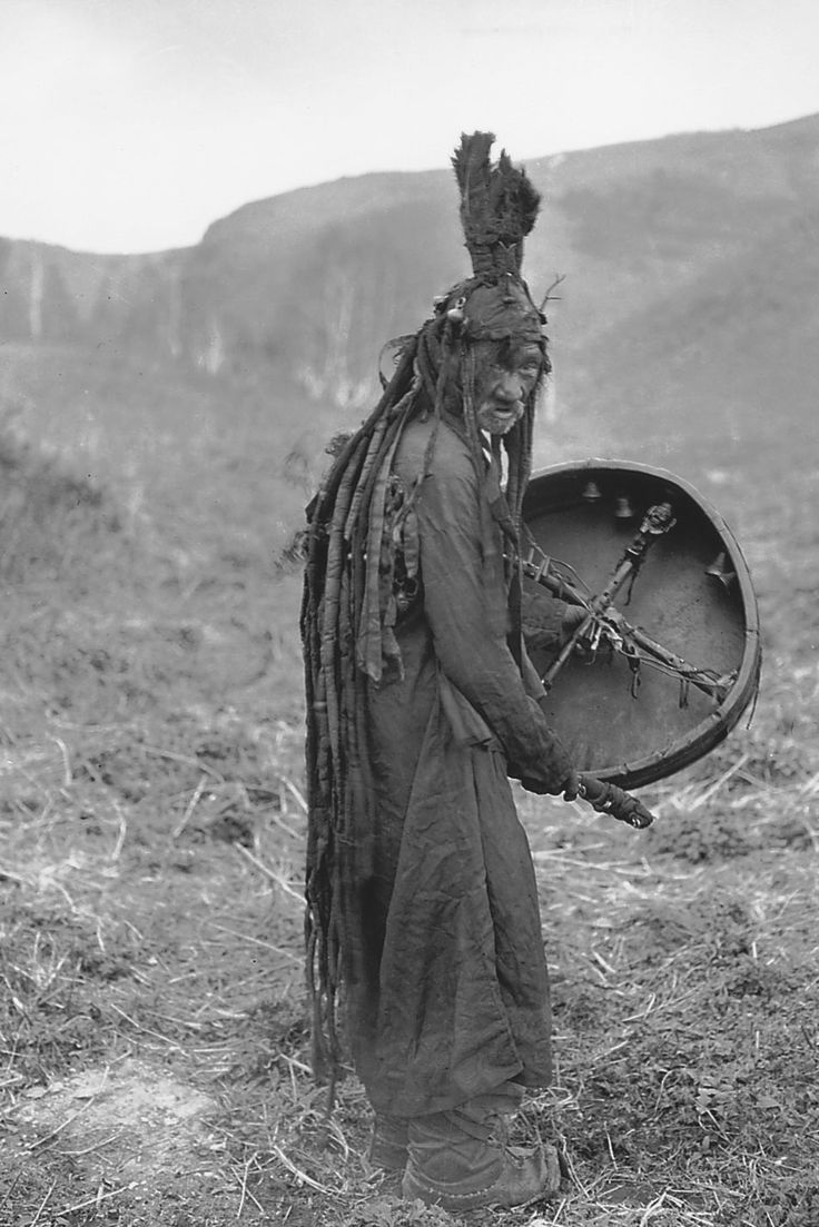 Монгольский шаман 2