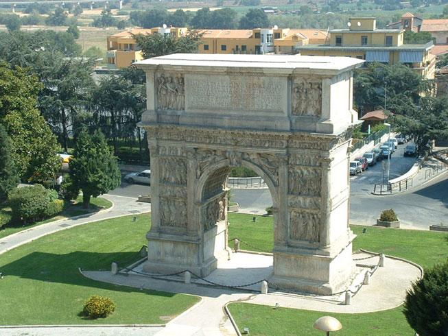 Триумфальная арка Траяна