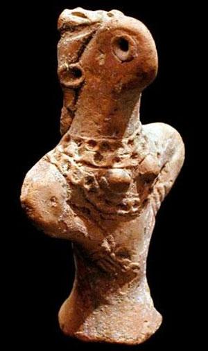 Керамическая статуэтка богини