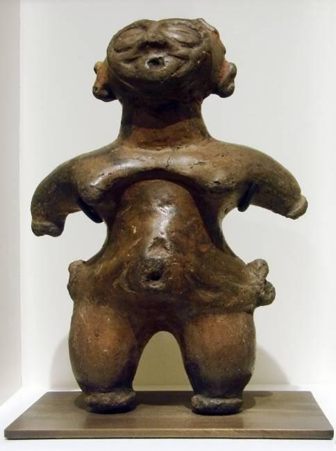 японские женские фигурки догу периода дзёмон