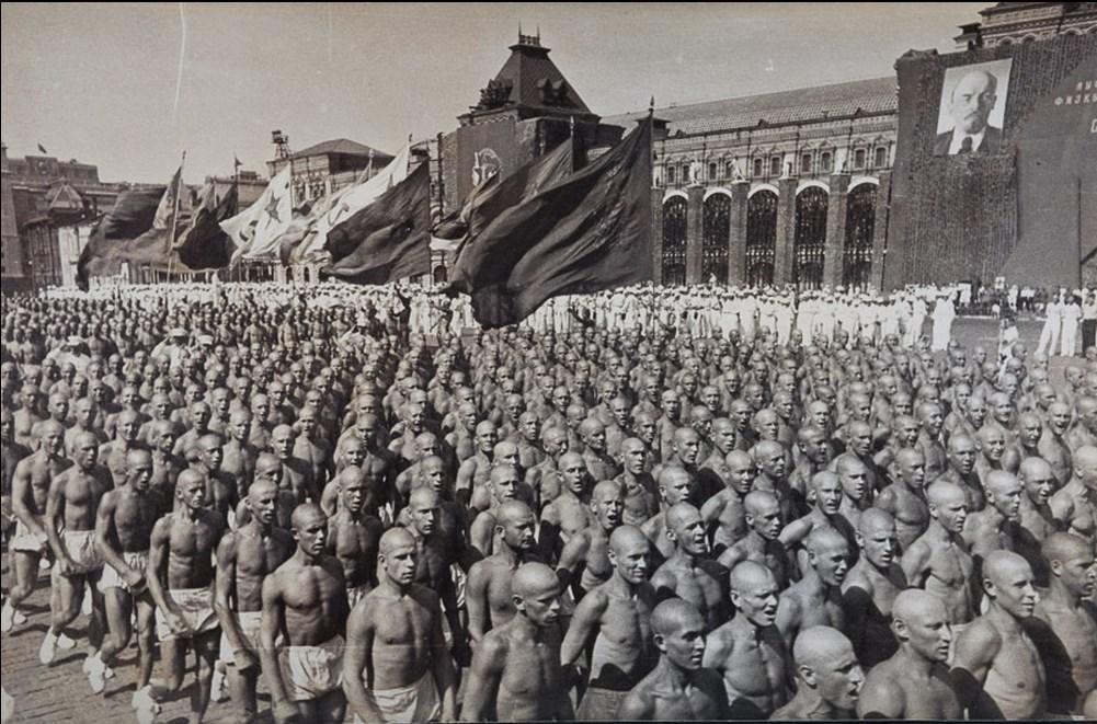 1935. Спортивный парад на Красной площади.