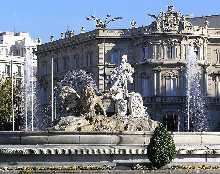 статуя Кибелы в Мадриде
