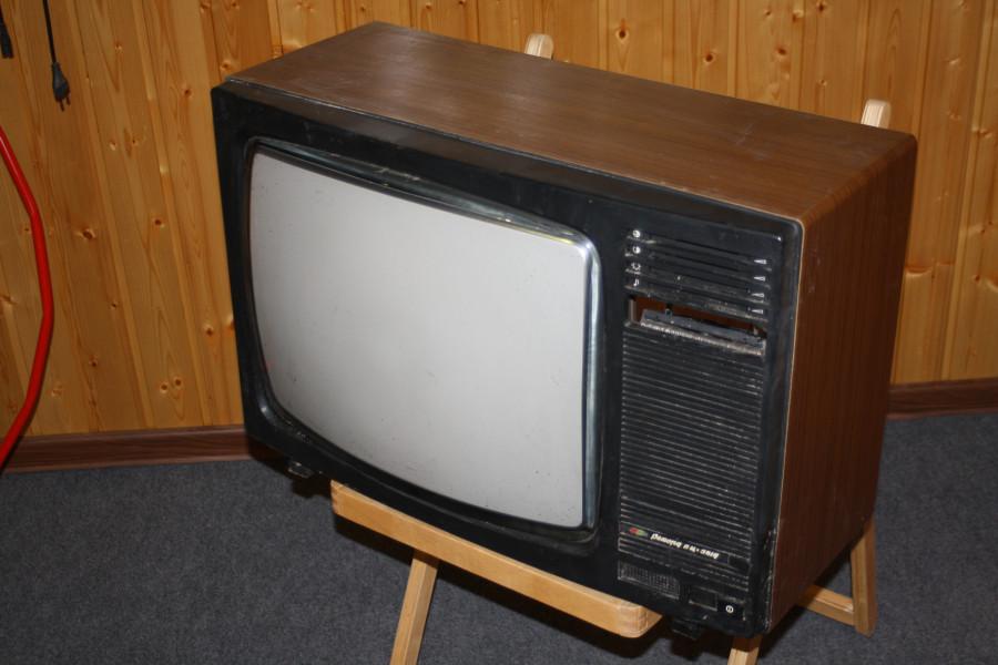 палочка телевизор рекорд фото зеленая представлена широким