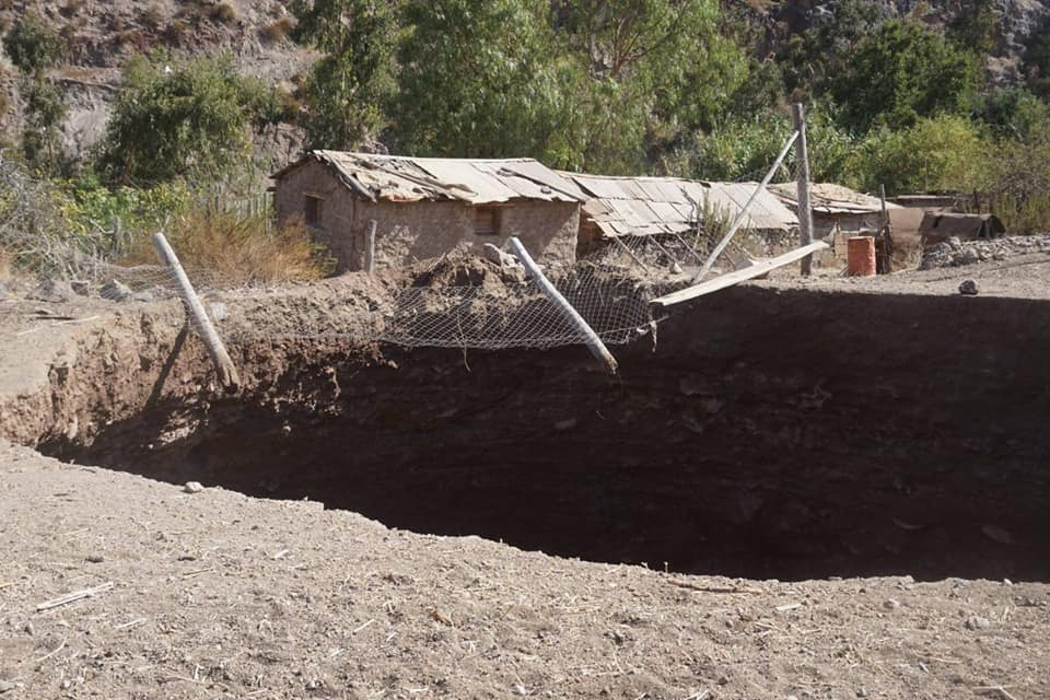sinkhole-chile-earthquake-2