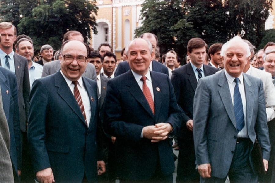 Горбачёв и Ко_1