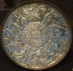 129458953_Mildenhall_treasure_great_dish_british_museum