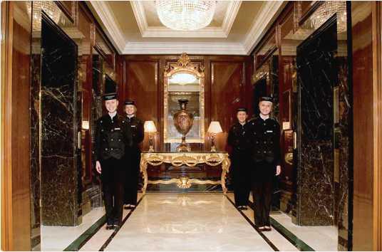 Отель Ритц-карлтон