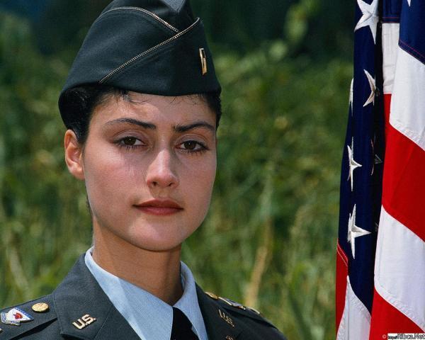 002 Американские девушки в погонах1
