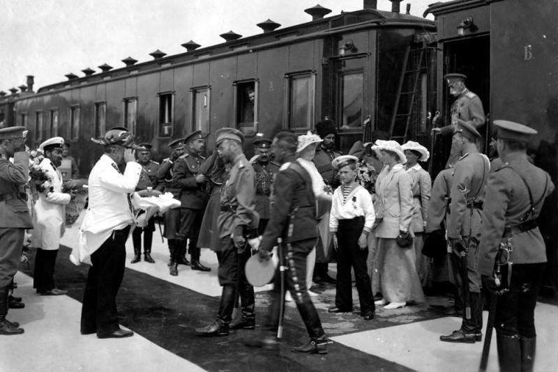 Прибытие императорского поезда