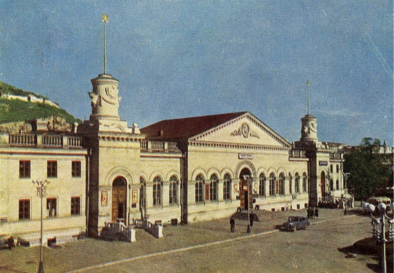 Севастополь. Вокзал. 1956. Почтовая открытка russiainfoto.ru