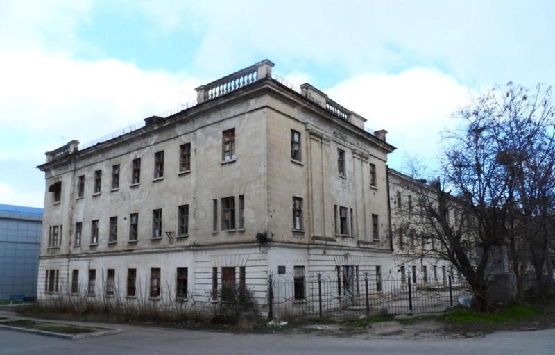 Здание штаба Черноморской дивизии, в котором в ноябре 1905 года помещался Совет матросских, солдатских и рабочих депутатов