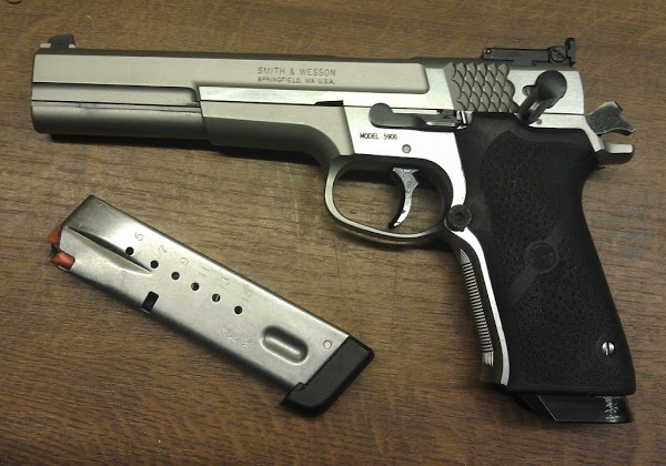 S&W Model 5906 Target Champion под 9mm Para